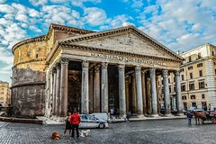 Private 3-Hour Walking Tour of Rome with private official tour guide