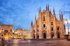 Private 4-Hour Walking City Tour of Milan with private official tour guide