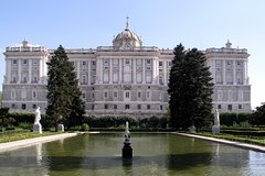 Imagen Private Guided Half Day City Tour in Madrid with Private Vehicle and Chauffeur