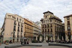 Imagen Madrid 4-Hour Private Custom Walking Tour of Los Austrias