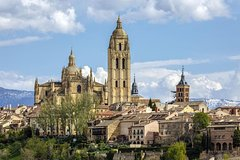 Imagen Day Trip to Avila and Segovia from Madrid with Guide