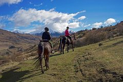 Imagen Small-Group Gold Discovery Horse Riding in Cardrona Valley