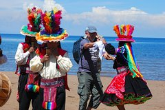 Imagen Private 2-Day Lake Titicaca Expedition with Overnight on Taquile Island
