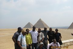 Egypt Short Break Day Tour: Pyramids, Sphinx and Egyptian Museum From Cairo Airport Private Car Transfers