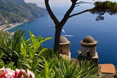 Transfer from Naples to Ravello with stop at Pompeii