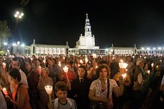 Imagen From Lisbon: Fátima Private Tour with Candle Procession Half Day