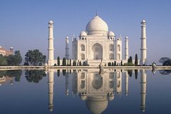 Private Agra Tour by Gatimaan Train visit Taj Mahal and Agra Fort from Delhi