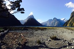 Imagen Milford Sound Helicopter Flight with Glacier Landing from Queenstown