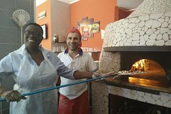 Small-group Guided Pizza Experience with Pizza Class in Rome