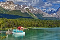 City tours,Activities,Water activities,Excursion to Maligne Lake