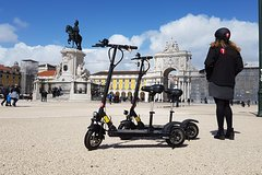 Imagen Mouraria Tour by E-Scooter in Lisbon