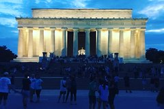 The national Mall Walking Night Tour