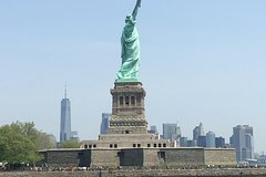 Imagen 60-Minute Lady Liberty Cruise Near Statue of Liberty Multilingual