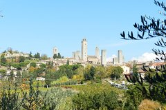 Discover San Gimignano with a Private Tour & local licensed guide