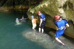 Hokeb Ha cave in Blue Creek