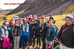 Imagen Private Hike via the Short Route to Rainbow Mountain from Cusco with Lunch