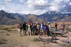 Imagen Maras Salt Mines and Moray Mountain Bike Tour