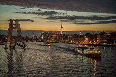 Imagen Berlin: 2-Hour Evening River Spree Cruise on cosy sparkling glitter ship