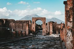 Explore Pompeii's Ruins with an Archaeologist