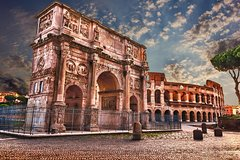Special Combo: Colosseum Guided Tour plus Squares and Fountains Walking Tour