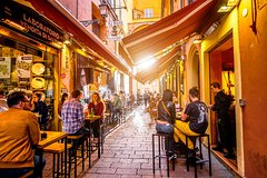 Eat and Drink like a Local in Bologna