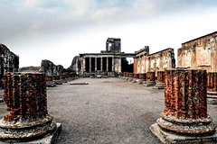 Private 10-Hour Tour of Pompeii from Rome