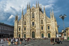 Private 4-Hour City Tour of Milan with private driver and official tour guide