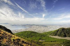 Mt Vesuvius Hike and Wine Tour from Naples