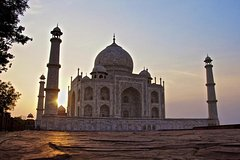 Full-Day Agra Tour by Car From Delhi