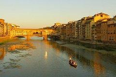 Florentine Gondola: 1h Panoramic Tour with Prosecco