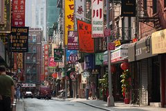 Chinatown, Manhattan Bridge And Lower East Side Photography Tour