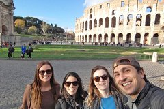 Fulll-day tour of Vatican Colosseum & Best of Rome by Tommaso with Hotel Pick Up