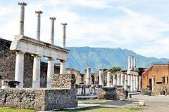 Skip the Line Rome to Pompeii Private Day Trip Hotel Pickup & Lunch at Winefarm