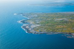 Ver la ciudad,Salir de la ciudad,Actividades,Tours de un día completo,Excursiones de un día,Actividades aéreas,Excursión a Galway,Con visita a las Islas de Arán
