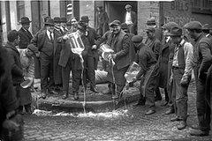 New York City Prohibition Speakeasy Drinking Tour Midtown