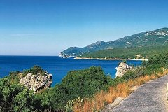 Imagen From Lisbon: Sesimbra and Arrabida Natural Park Private Tour Full Day