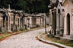 Imagen Private Guided Walking Tour: Pere Lachaise Cemetery