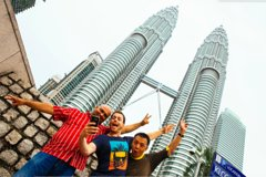 Imagen Private Skip The Line Tour in Kuala Lumpur: Petronas Twin Towers & Highlights