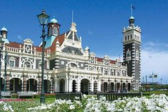 Imagen Dunedin Shore Excursion: Taieri Gorge Railway Tour and City Sightseeing