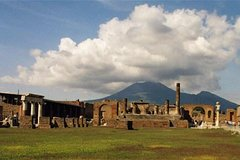 Activities,Water activities,Excursion to Pompeii,Excursion to Vesuvius