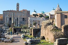 Archeological Tour by PhD Guide Donato w/ Colosseum, Roman Forum & Pala
