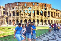 Colosseum Tour with Skip-the-line Tickets & Lunch in a Theater of Ancient Rome
