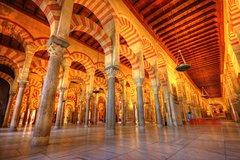Imagen Alcazar, Mosque of Cordoba, Jewish Quarter, and Synagogue Tour from Seville