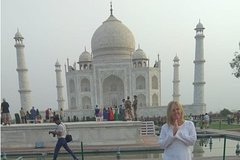 Same Day Agra Tour of Taj Mahal From Delhi by car with lunch