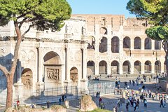 Guided Tour of the Colosseum Forums & Ancient Rome with Skip-the-line Tickets