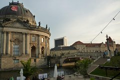 Imagen 2-Hour Private Custom Berlin Tour with a Local Guide