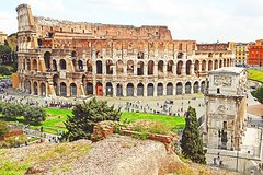 Walking Tour of the Colosseum Forums & Ancient Rome with Skip-the-line
