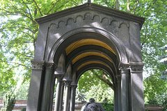 Imagen Historical Cemeteries of Berlin Walking Tour