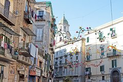 Naples in Christmas Time Tour with San Gregorio Armeno Market & City Highlights
