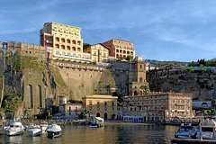 private transfer from Sorrento to Matera